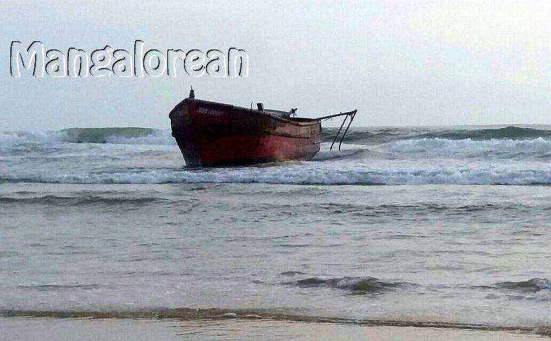 boat-abandoned-bikampady (1)