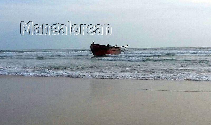 boat-abandoned-bikampady (4)
