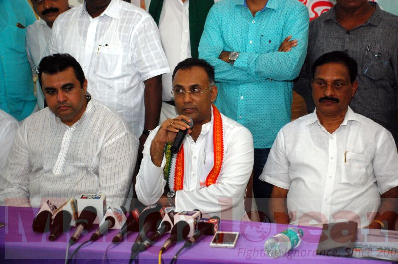 dinesh-gundu-rao-press-meet-udupi-20160918-04
