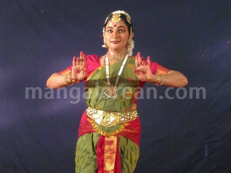 image002bharatanatyam-vidushi-preethikala-puttur-002