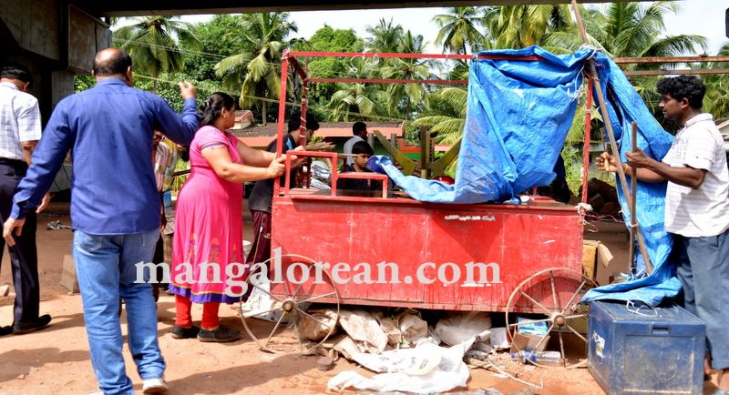 image002mcc-illegal-shops-kuntikan-bridge-20160903-002