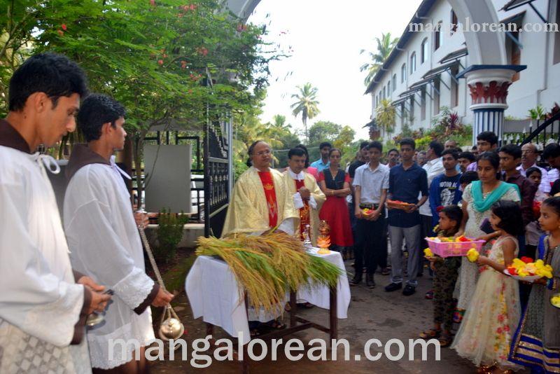 image002monthi-fest-farangipete-church-20160908-002