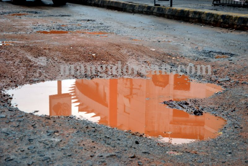 image003dilapidated-roads-mcc-20160923-003