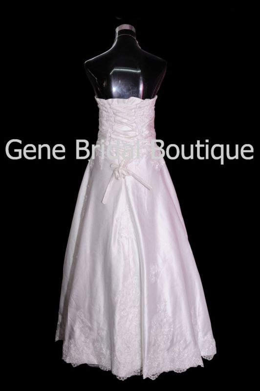 image003gene-bridal-boutique-003