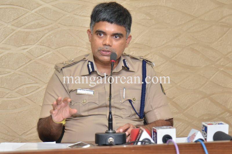 image005police-commissioner-chandrasekhar-005