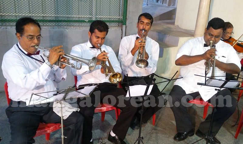 image005united-artists-band-st-padre-pio-feast-20160926-005