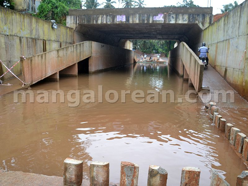 image006bajal-residents-flooded-rub-water-20160903-006