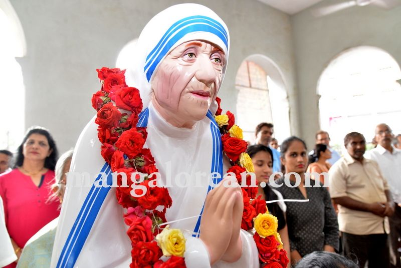 image006mother-theresa-sainthood-20160904-006