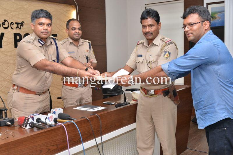 image007police-commissioner-chandrasekhar-007