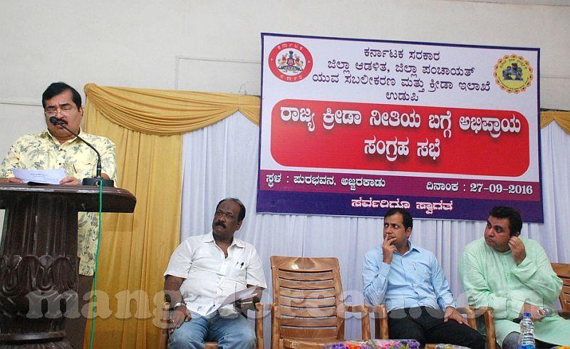 image009model-sports-policy-pramod-madhwaraj-20160927-009