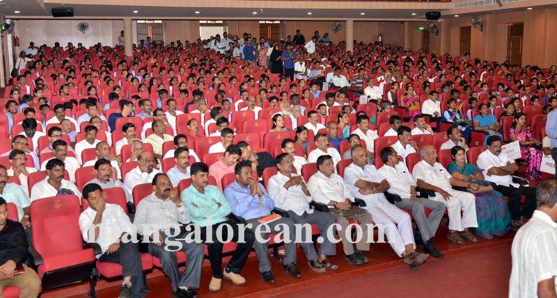 image010jana-mana-district-administration-hold-20160927-010