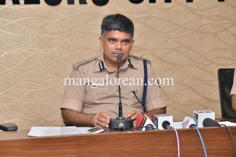 image010police-commissioner-chandrasekhar-010