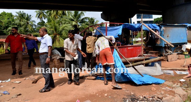 image018mcc-illegal-shops-kuntikan-bridge-20160903-018