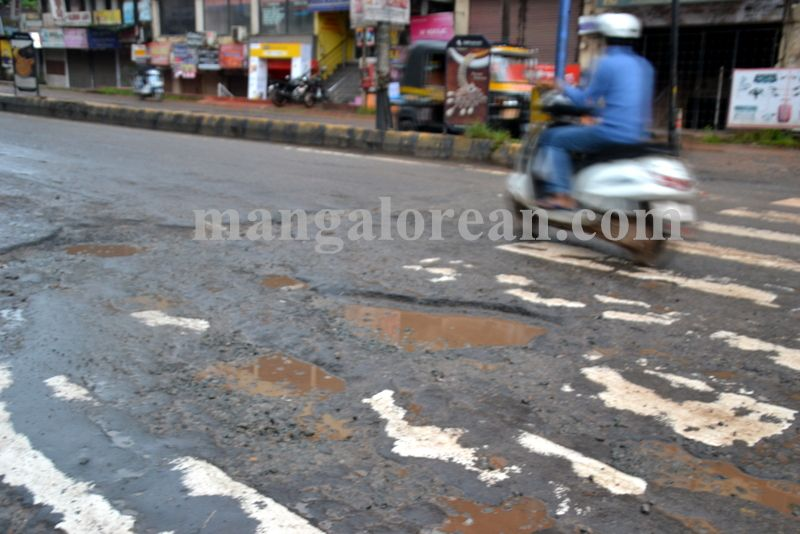 image020dilapidated-roads-mcc-20160923-020