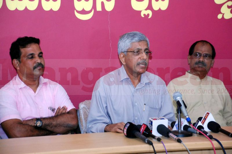 jp-hegde-press-meet-udupi-20160909-00