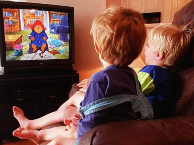 kids-watch-tv