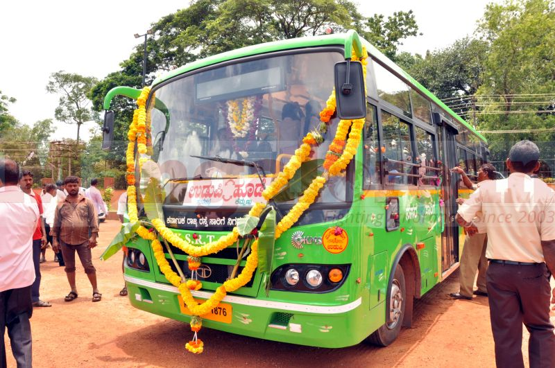 low-floor-JNNURM-buses-udupi-20160907-21