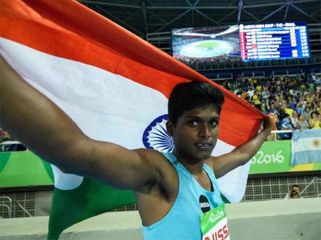 Image result for mariappan thangavelu and his mother saroja
