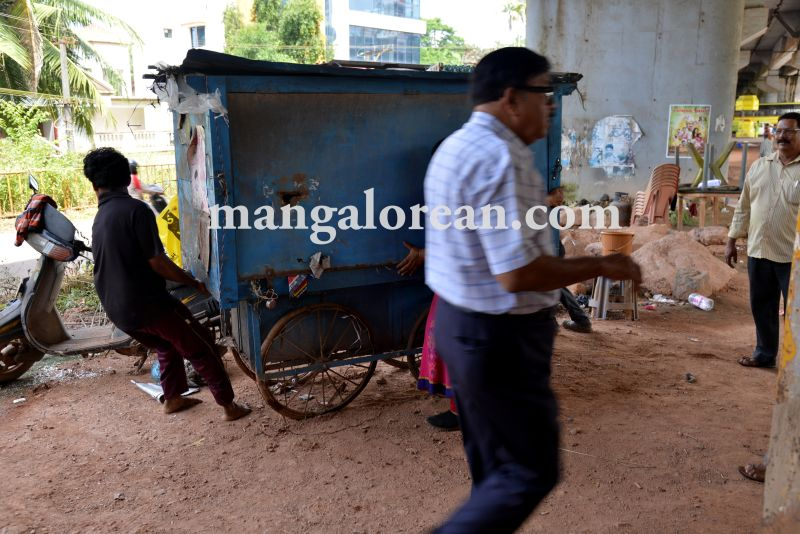 mcc-illegal-shops-kuntikan-bridge1