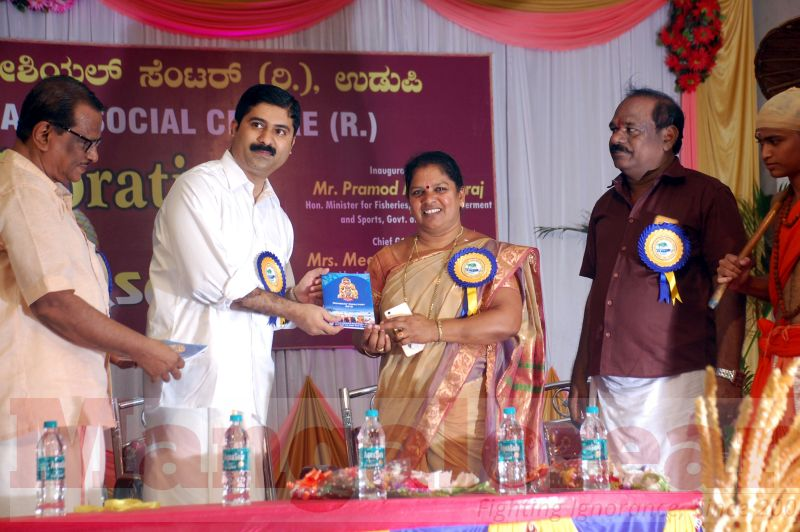 onam-celebration-udupi-20160918-14