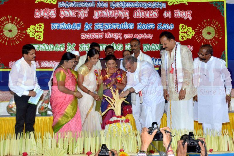 sathyanarayana-pooja-dharmastala-01