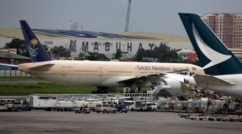 saudi-passenger-plane-manila-airport