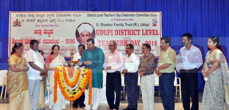 teachers-day-udupi-district-20160905-02