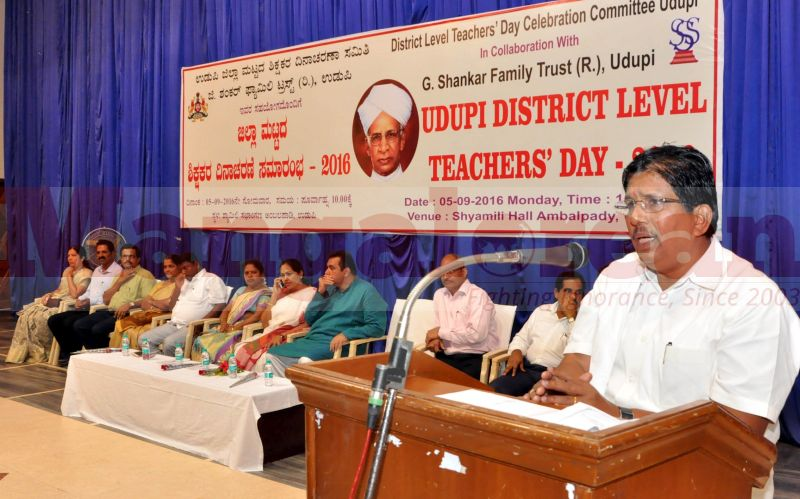 teachers-day-udupi-district-20160905-04