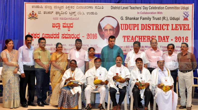 teachers-day-udupi-district-20160905-11