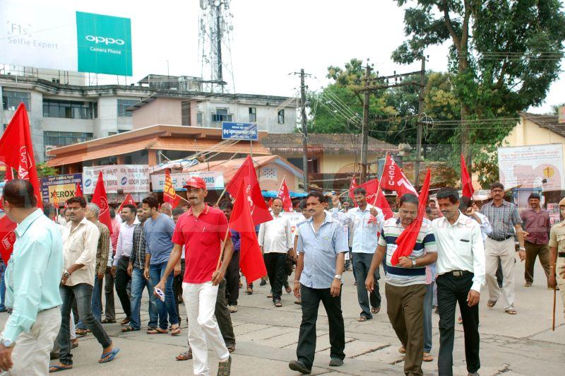 trade-union-nationwide-strike-udupi-protest-20160902-11