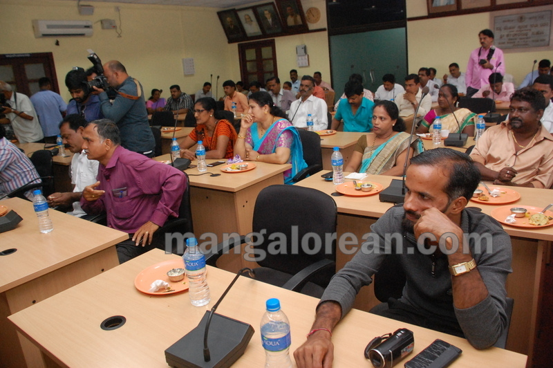 udupi-cmc-defecation-free-city-20160928-06