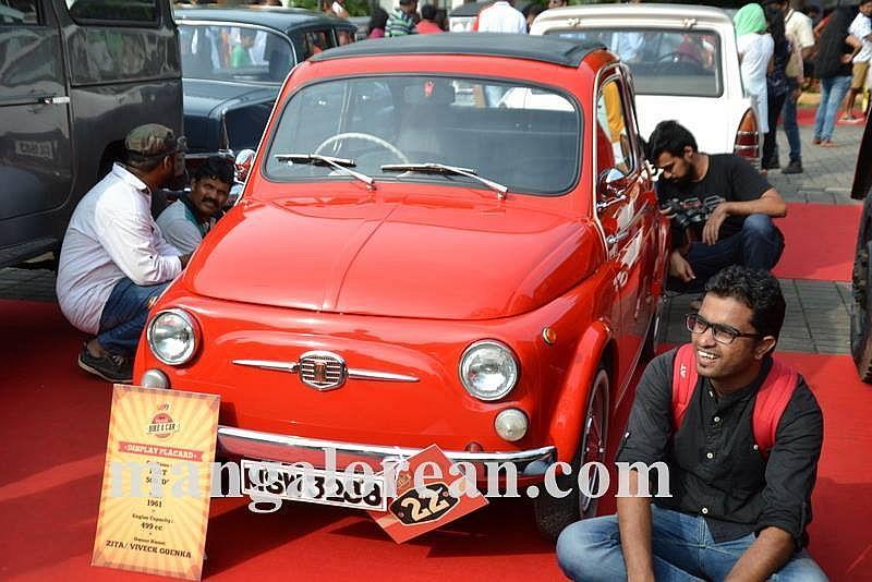 01-sleek-enticing-old-beauties-goa-vintage-car-4
