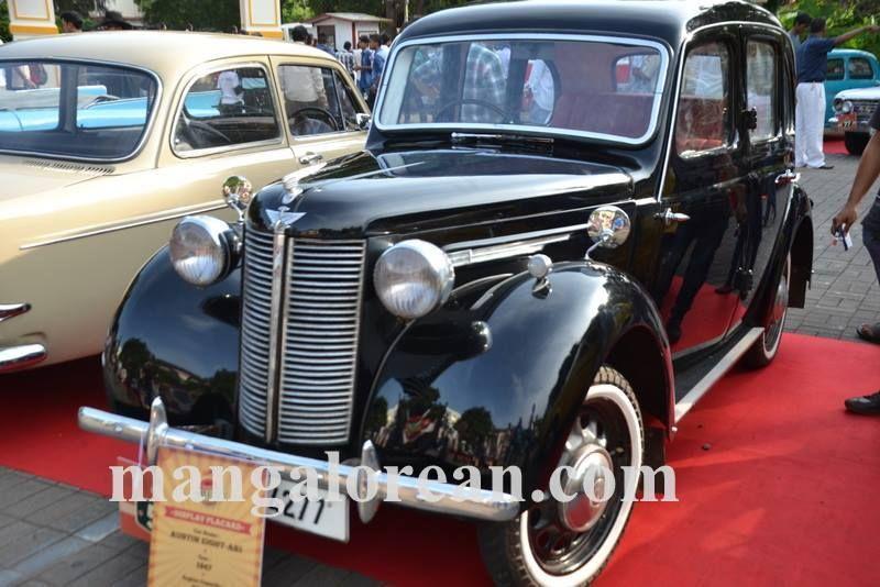 11-sleek-enticing-old-beauties-goa-vintage-car-20