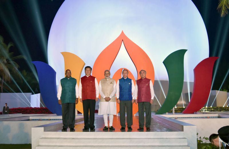 The Prime Minister, Shri Narendra Modi in a Group Photograph with the BRICS Leaders, ahead of BRICS Informal Dinner, in Goa on October 15, 2016.