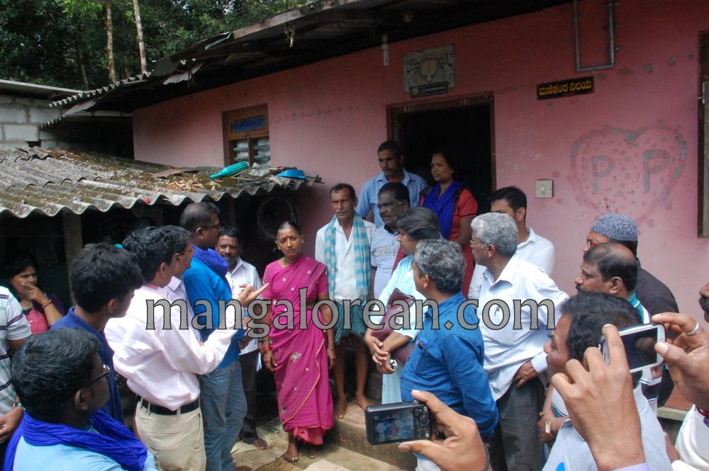 image001chalo-udupi-team-visit-praveen-poojary-house-20161008