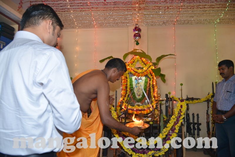 image004ayudha-puja-20161010-004