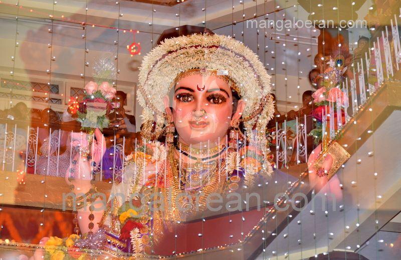 image007sharada-navaratri-shobhayatra-20161011-007