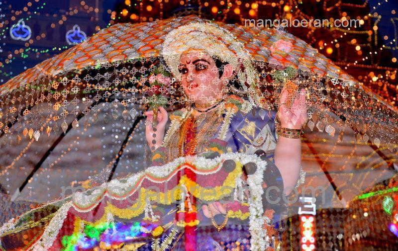 image010sharada-navaratri-shobhayatra-20161011-010