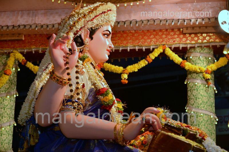image011sharada-navaratri-shobhayatra-20161011-011