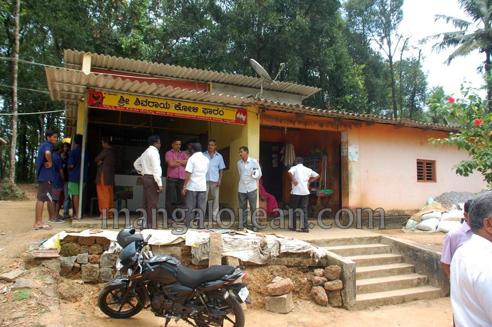 image012chalo-udupi-team-visit-praveen-poojary-house-20161008