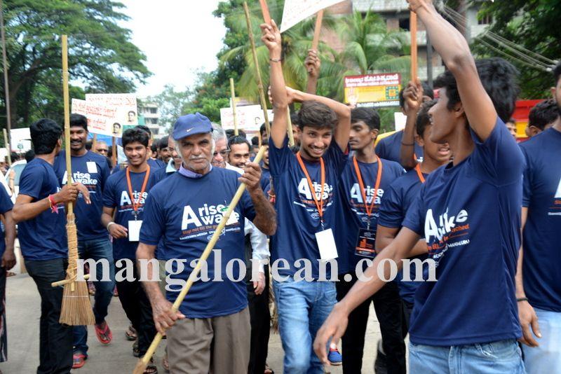 image015ramakrishna-mission-swacch-mangaluru-20161002-015