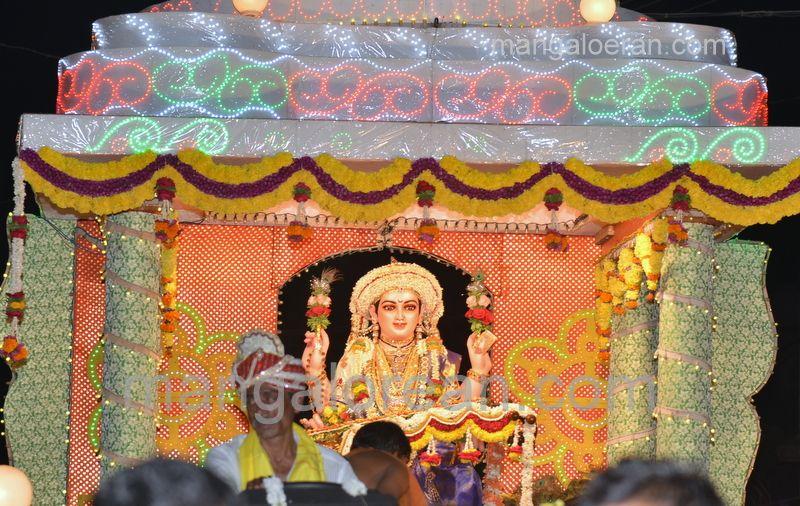 image016sharada-navaratri-shobhayatra-20161011-016