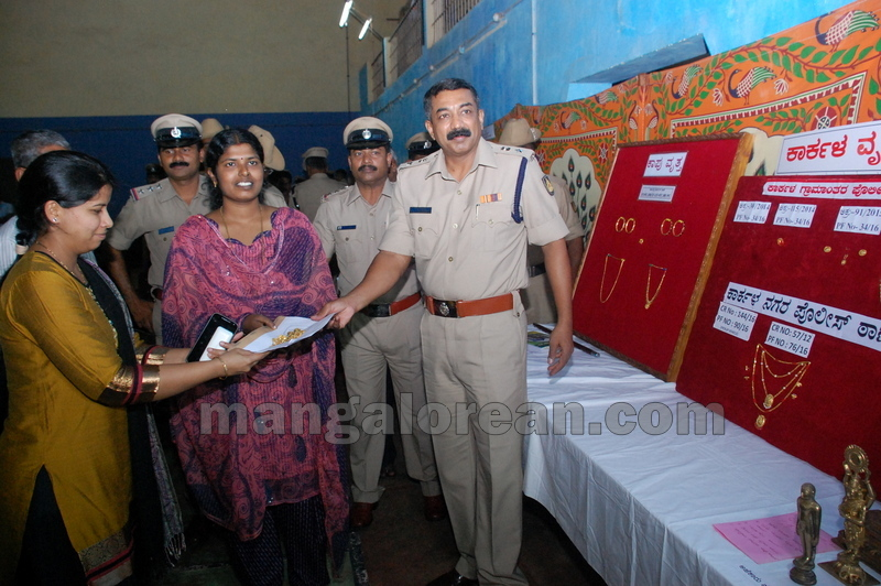 police-return-retrieved-property-udupi-20161003-14