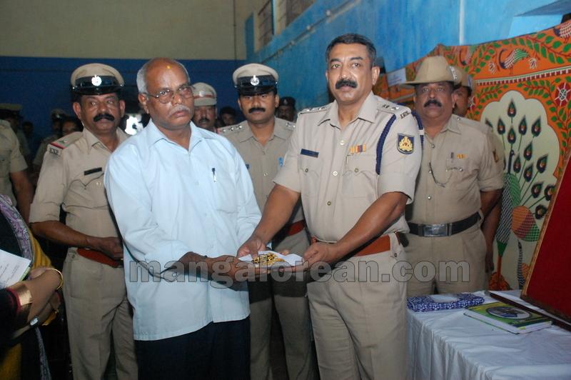 police-return-retrieved-property-udupi-20161003-17