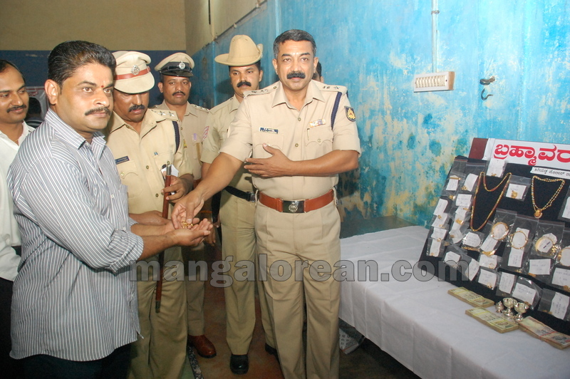 police-return-retrieved-property-udupi-20161003-18