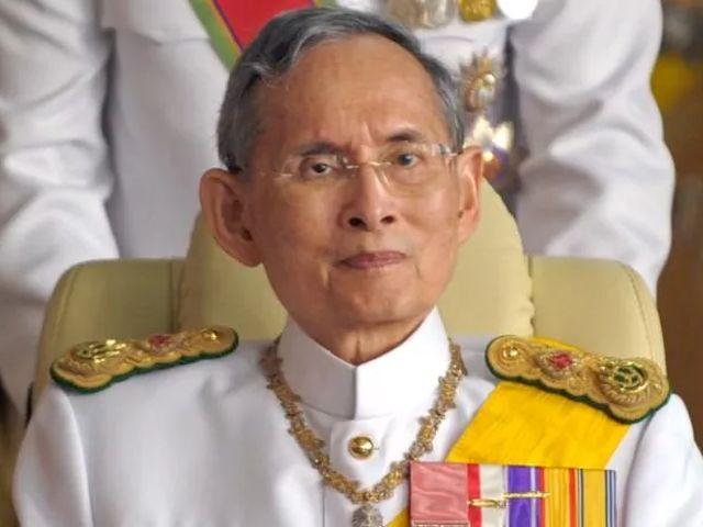 thai-king-bhumibol-adulyadej