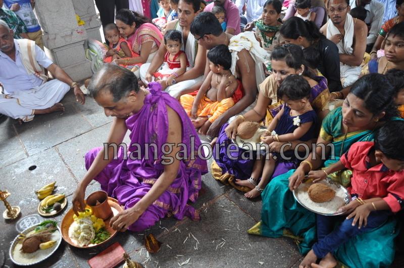 vijayadashami-marks-vidyarambham-ambalpadi-temple-20161011-05