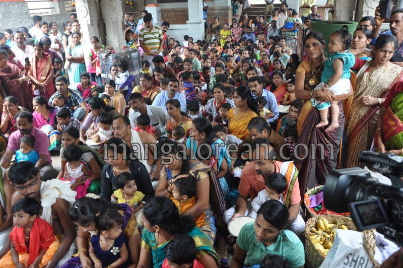 vijayadashami-marks-vidyarambham-ambalpadi-temple-20161011-09
