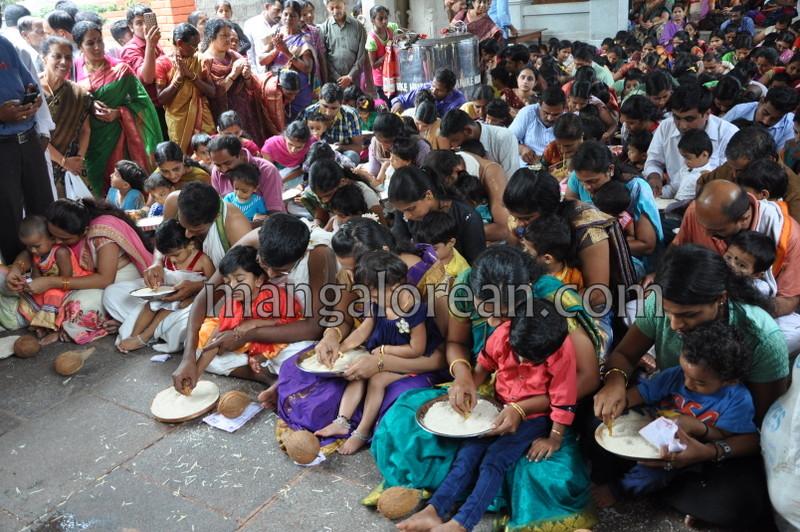vijayadashami-marks-vidyarambham-ambalpadi-temple-20161011-12