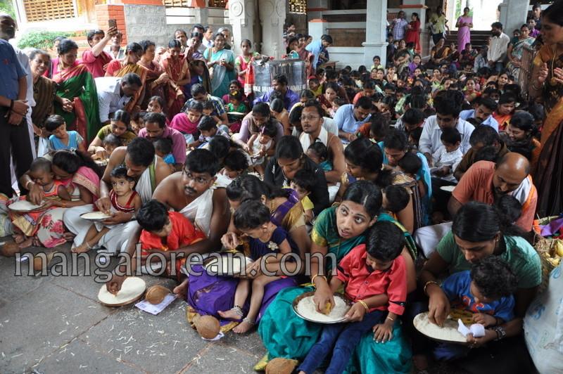 vijayadashami-marks-vidyarambham-ambalpadi-temple-20161011-13